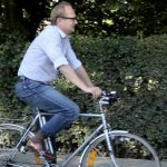 Bike-promoting minister's cycle stolen