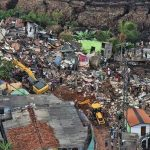 30 dead & 30 missing at Meethotamulla